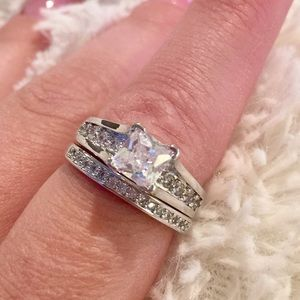 Jewelry - White sapphire wedding set
